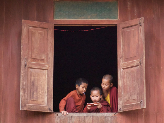 Little monks and smartphone