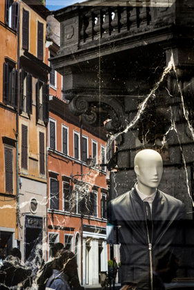 Roma moments,Italian style.Via del corso.The most famous fashion street in the heart of the Rome.