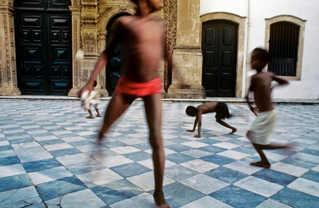 Laróyè, 1980-2000. © Instituto Mario Cravo Neto / Instituto Moreira Salles