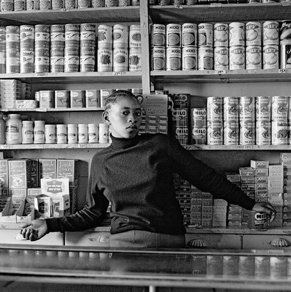 Shop assistant, Orlando West. 1972 © David Goldblatt