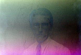 Re-portrait: future portrait of past people