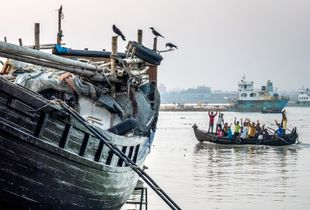 Boat repair yard