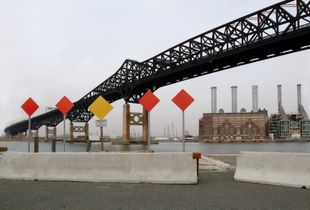 Pulaski Skyway © Harry Wilks
