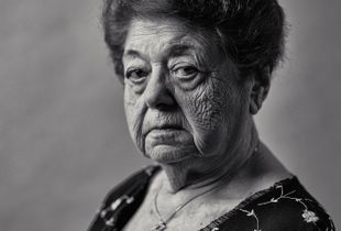 Magda Brown, A Holocaust Survivor Remembers the Loss