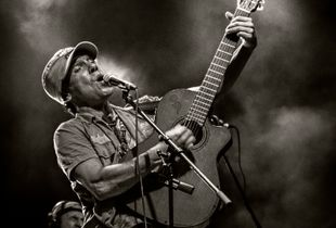 MANU CHAO IN CONCERT...