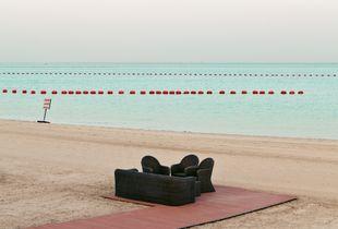 Doha beach, Qatar © Roger Grasas, Finalist, LensCulture Exposure Awards 2018
