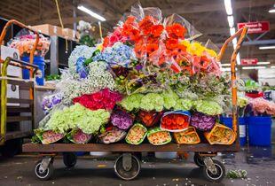 Flowers a la cart