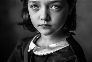 Evacuee Girl (1)
