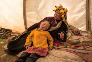 Tibetan mother and daughter