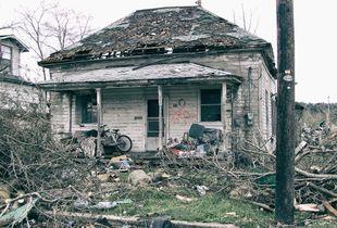 Mena (Arkansas) - Hit by Tornado