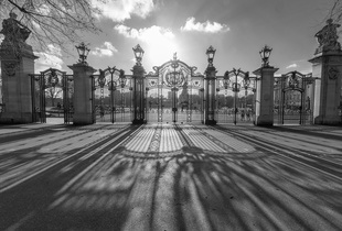 Canada Gate, Buckingham Palace, London