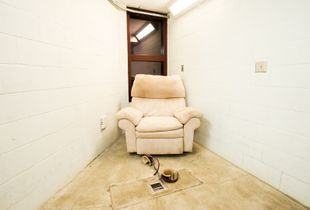 Compliant Detainee Media Room, Camp 5 © Debi Cornwall