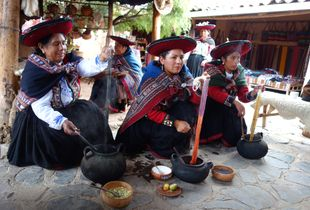 Women of Chinchero