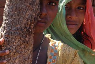 2 SHY GIRLS