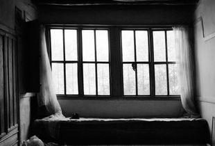Arapkir, abandoned house  39°2'N 38°29'E