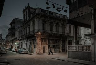 "From the series ""Lonely Havana"" © Rémy Soubanère. Finalist, LensCulture Street Photography Awards 2017."