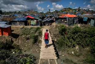 A wave of crackdown and ethnic violence has forced more than half a million Muslim people, including women and children, in Buddhist-majority Myanmar to flee into neighboring Bangladesh since August 2017.Part of these stateless people have taken refuge at camps made of bamboo In Bangladesh bordering Myanmar.Refugees here have no dreams and no lands. Their only hope is to receive remain alive.