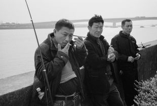 Fishing, spring 2018, Huangchang Road, Songjiang District, where the water flows about 50 km north to the Bund.