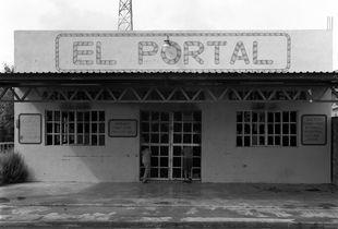 """Super Market """"El Portal"""""""