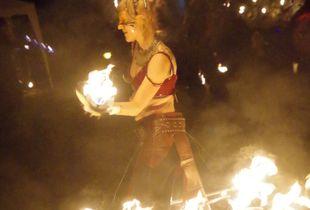 Fire dancers : De Oerspong