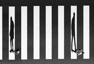Melody Lines of Separation. © Milad Safabakhsh. Chosen for the LensCulture Street Photography Awards Top 100.
