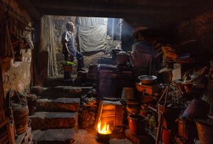 Life in ancient Chinese shophouse