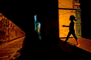 A girl at night, Havana. © Matthew Sowa. Chosen for the LensCulture Street Photography Awards Top 100.