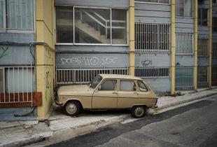 Abandoned Renault, Petralona, Athens, Greece 2017