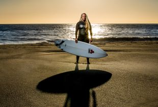 HEATHER, SURFER