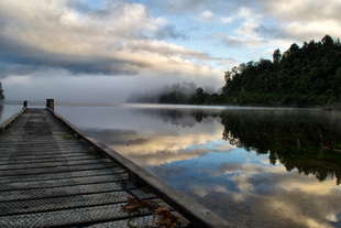 Sunrise at Lake Paringa, Glacier County, New Zealand.
