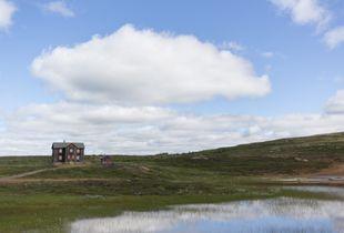 Une maison isolée sur les terrains de la mine