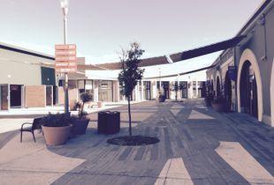 Deserted Mall 01