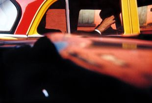Taxi, New York, 1957 © Saul Leiter