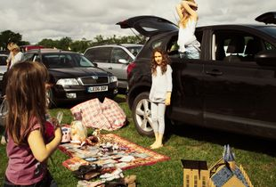 Car Boot Sale, Walton on Thames, 2016