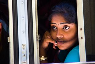 Colombo Bus Girl