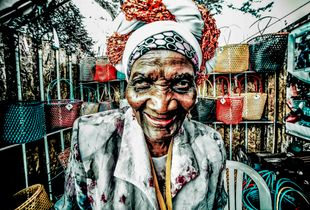 Vendedora de bolsos