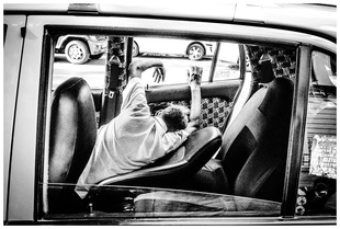 Taxi Sleepers. © Stefano Tomassetti. Chosen for the LensCulture Street Photography Awards Top 100.