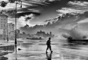 Stormy Weather hits the Malecón of Havana
