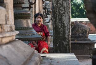 Frau in Bhaktapur