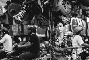 Ballons Seller. Hanoi, Vietnam