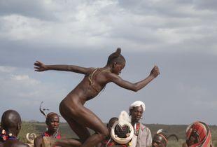 Bull-Jump Ceremony:                                      ... balancing ...