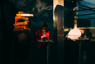 Smoking area. © Giacomo Vesprini. Chosen for the LensCulture Street Photography Awards Top 100.