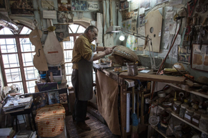 Master Luthier Ünal Senpekmezci