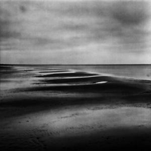 De silence of sand.