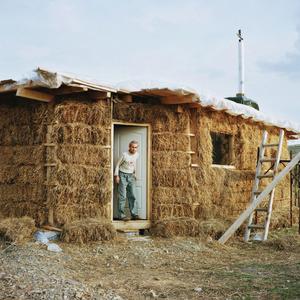 A straw-bale house, Carpathians, Roumania, 2013 © Antoine Bruy