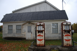 Gas Station, Pidgeon Hill, Québec