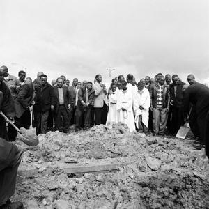 Burial, Langa.