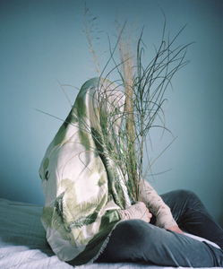 Camouflage aux Plantes © Marie Hudelot