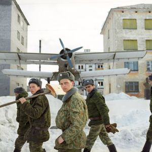 Soldiers carrying out public works, Korzunovo, Pechengsky district, Murmansk region. © Maria Gruzdeva