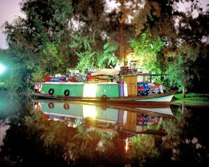 Grocery Boat Raquel N